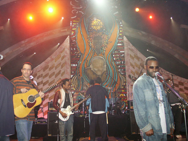 Dave Mathews & The Roots Live Show